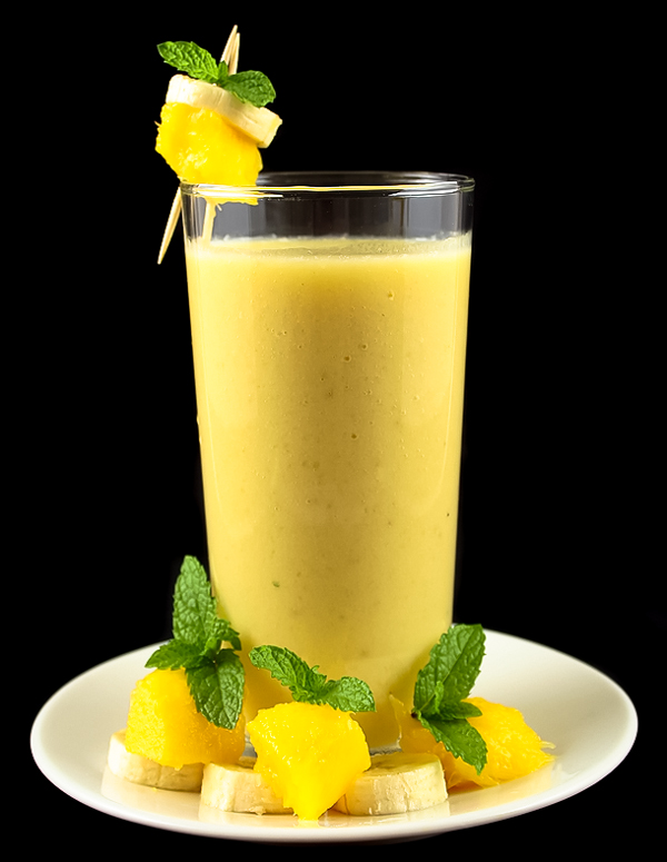 Anti-aging banana pineapple smoothie for a beautiful, smooth and glowing skin.